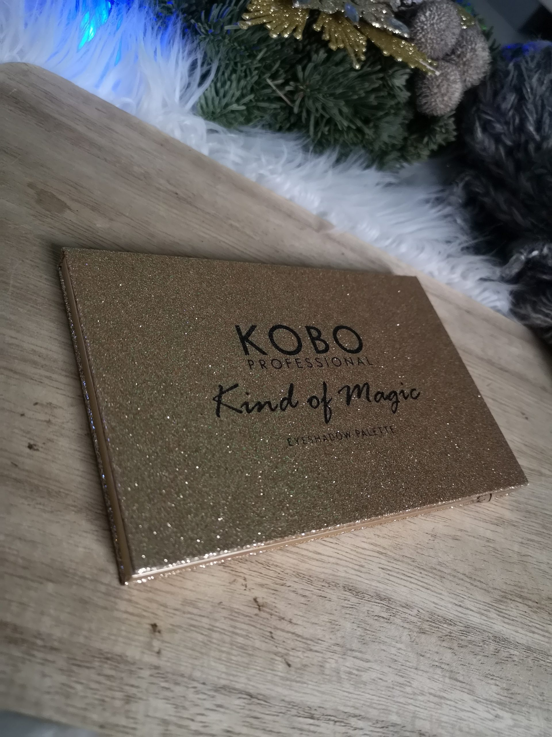 KOBO PROFESSIONAL PALETA CIENI KIND OF MAGIC